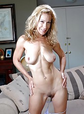 Shameless lady Kimmie Morr enjoys while she is alone at home