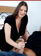 Crazy porn action in which naughty brunette Carrie Moon gets a cunnilingus