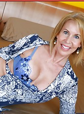 Wild milf Erica Lauren showig delicious tits and masturbating on camera