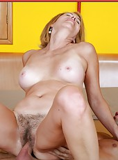 Stunning babe Erica Lauren making a hot blowjob and getting pounded
