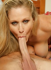 Ravishing mature Julia Ann trying to please her lovely friend at morning
