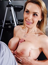 Erogenous curve Tanya Tate adores tasting dicks and getting creampied