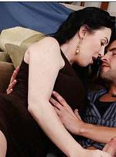 Stunning slut RayVeness making a deepthroat and enjoying a big cock