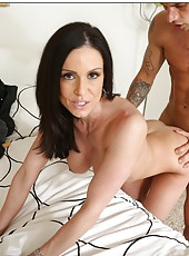 Victorious slut Kendra Lust enjoys making deepthroats and riding cocks