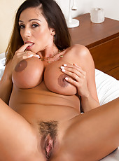 Appealing mom Ariella Ferrera playing with her sissy and rubbing boobies