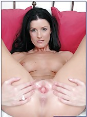 Gorgeous brunette milf India Summer demonstrates her pussy and gets a sperm