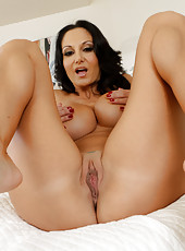 Arresting lady Ava Addams showing sexy legs and working with shaved sissy