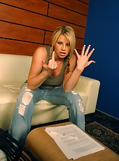 Naughty and elegant blonde girl Brooke Haven undresses her jeans for a hot fuck