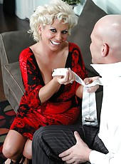 Milf lady with big boobies and sexy asshole Claudia Marie enjoys hardcore fuck