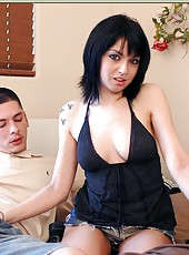 Awesome slut Riley Mason pleasing two handsome guys at the same time