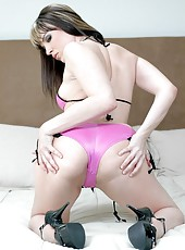 Staggering minx Dana DeArmond prefers to be penetrated in all possible holes
