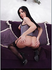 Smiley pornstar Rebeca Linares loves working with big cocks and getting load