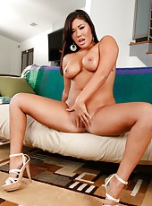 Remarkable Asian milf London Keyes jilling snatch and getting a cumshot