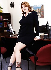 Nice bombshell Lisa Sparxxx posing in office and pleasing her rude boss