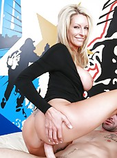 Remarkable blonde Emma Starr demonstrates her ass and swallows dick