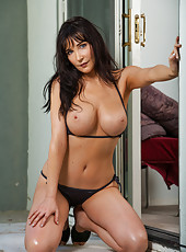 Diana Prince loves showing big tits and working with huge yummy peckers