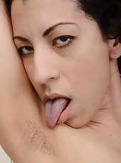 Winning MILF Kinky Gaga is in a very playful and horny mood today