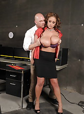 Mature woman with long legs Eva Notty fuck with her bald banger in the office