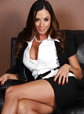 Alluring cutie pornstar Ariella Ferrera poses in the office naked