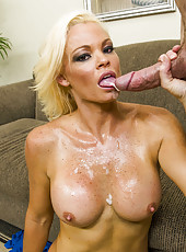 Dick-sucking glamorous blonde Rhylee Richards is banging like a milf