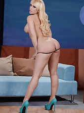 Busty whore Kagney Linn Karter showing her amazing boobs and her big ass