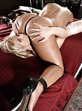 Big titted lesbians Lisa Ann and Sarah Vandella use amazing toys for a great scene