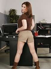 Milf with beautiful big boobs Sara Stone strips right in the office