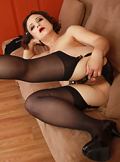 36 year old elegant Anna P from AllOver30 looking hot in stockings