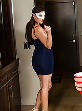 Bill is hanging out at the party, drinking water, because he's his wife's designated driver. He's sitting around all bored as his wife lives it up. Luckily, Sovereign Syre is around and she finds Bill kind of cute, so she leads him off to a