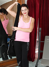 Hot mom next door gears up for a steaming hot workout