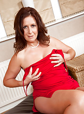 Mom with gorgeous body seduces in her evening wear