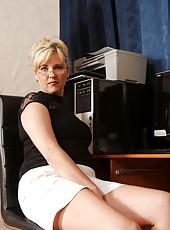 Doreen a strict boss who loves to flirts with her pussy and undies