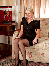 Sweet Anilos blonde ravishes in sexy lingerie