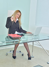 Ultra sexy secretary flaunts her curvaceous body