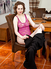 Stunning housewife teases her throbbing pink pussy