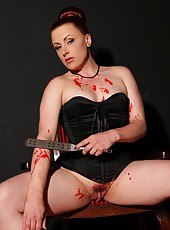 Isabel Dean punishes herself bad