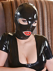 Kyra Hot & Latex Lucy latex loving