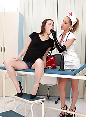 Kinky Nurse Gapes Patient