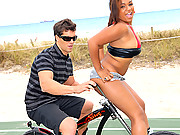 Hot ass ebony bikini babe rides on the handlebars then gets her juicy box rammed and face jizzed in these hot big dong fucking beach vids