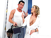 Nikki Sexx loves to play with the plumbers big pipe