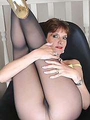 Pantyhosed mature