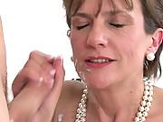 Lady sonia getting a facial cumload