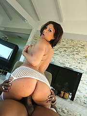 Busty Claire gets a 40 poured on her big ass