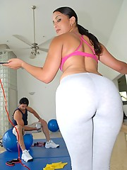 Big monster ass gym babe gets drilled in the pussy in these amazing work out fucking reality pics