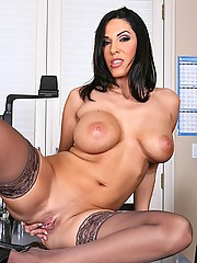 Veronica Rayne boosts sales by fucking her boss