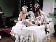 Two very horny retro chicks in a threesome