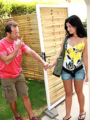 Picked up teenie babe gets fucked and facialised outdoor