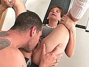 Gym milf riding trainers huge cock