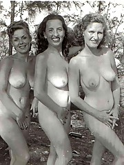 Vintage outdoor hot chicks posing full nudity