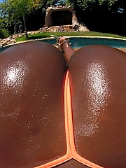 Amazing delicious big booty babe vanett gets her hoto bikini black ass fucked hard in these wet poolside fuck picset